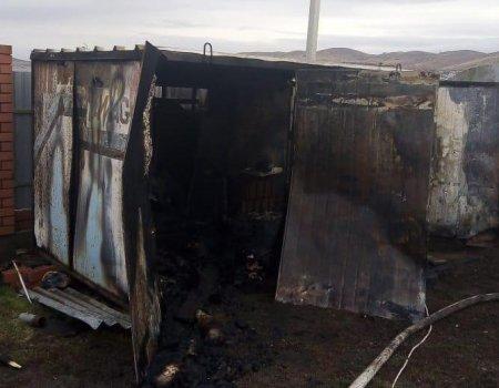 В Абзелиловском районе Башкортостана трое мужчин сгорели в металлической будке